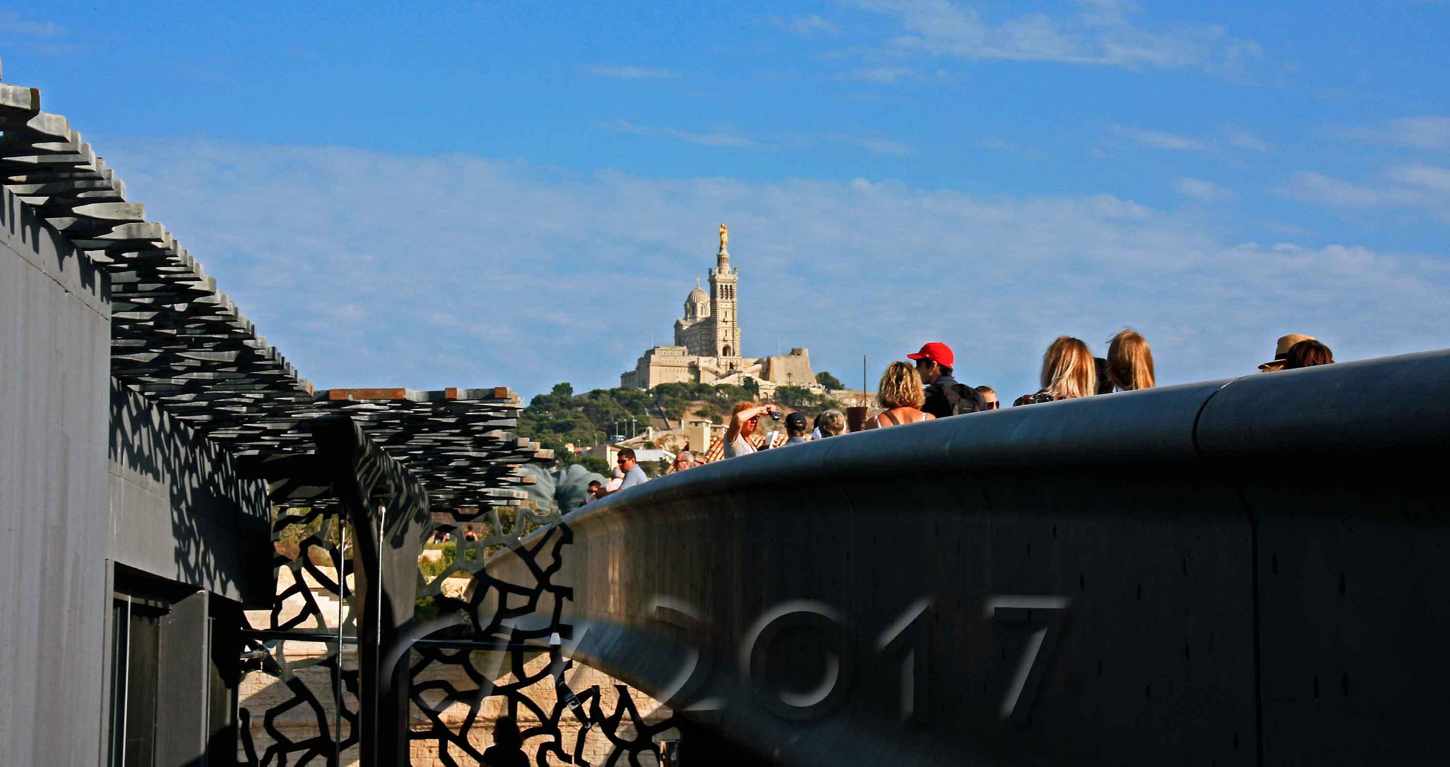 Marseille, Le MuCem mit Blick auf Notre Dame de la Garde, Autor: Charlotte Moser
